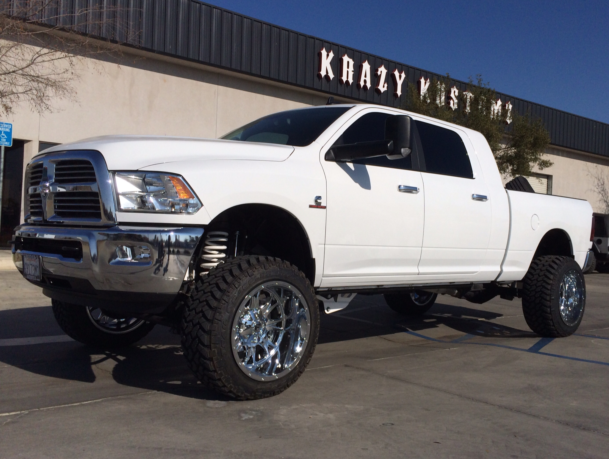 2014 dodge 3500 6in lift 35in tires on 22 in wheels - Dodge Ram 2014 Lifted
